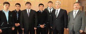 Anadolu Imam Hatip Lisesi Futbol Takimi Il Milli Egitim Müdürünü Ziyaret Etti