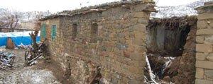 Kerpiç Duvar Yikildi: 1 Ölü, 2 Yarali