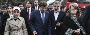 Basbakan Davutoglu`ndan Mahsur Isçinin Bebegine Ziyaret