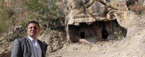 Ermenek Belediyesi`nden Kaya Mezarlarla Ilgili Açiklama