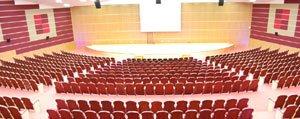 KMÜ'ye Bin Kisilik Konferans Salonu
