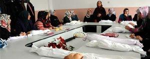 Belediyeden Hanimlara Cenaze Yikama Kursu
