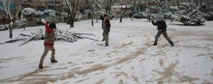 Kar Yagisi Nedeniyle Okullar Yarin Tatil Edildi