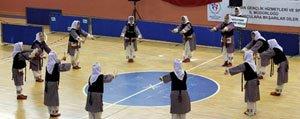 Karaman`da Halk Oyunlari Yarismalari