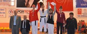 Taekwondo'da Madalyalar Gelmeye Devam Ediyor