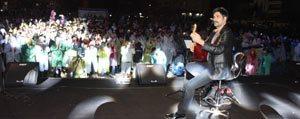 Milletvekili Adayi Ugur Isilak, KOP Gençlik Festivali'nde Sahne Aldi