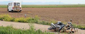 Minibüsle Motosiklet Çarpisti: 1 Ölü