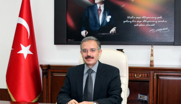 KMÜ Rektörü Prof. Dr. Sabri Gökmen'in 30 Ağustos Zafer Bayramı Mesajı
