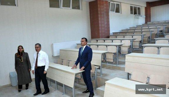 Vali Tapsız, Okulları İnceledi