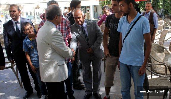 Vali Tapsız, Halkla Bayramlaştı