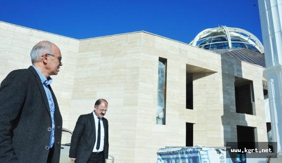 """Çalışkan: """"Ahmet Yesevi Camisi Türkiye'de Örnek Bir Yapı Olacak"""""""