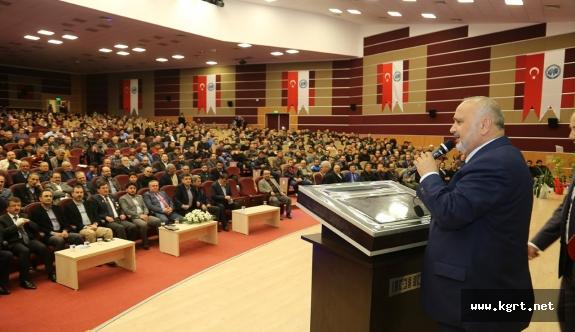 Güçlü Türkiye Yolunda Cumhurbaşkanlığı Sistemi Konferansına İlgi Yoğundu