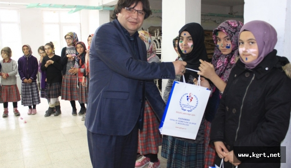 Gençlik Merkezi Minik Kalplere Umut Oldu