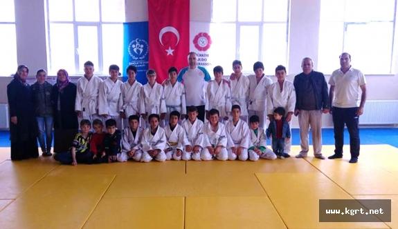 Kâzımkarabekir'de Judo Kuşak Sınavı Yapıldı