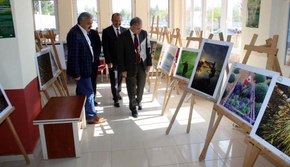 """""""Tarım Ve İnsan"""" Konulu Fotoğraf Sergisi Açıldı"""