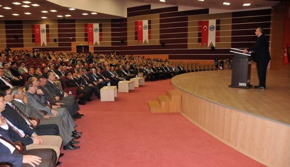 """""""Yeni Dünya Düzeni İnşasında Türkiye'nin Rolü Ve Karaman'ın Geleceği"""" Konferansı Verildi"""