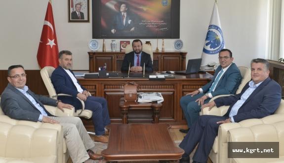 Gazeteci Ve İşadamlarından Rektör Akgül'e Ziyaret