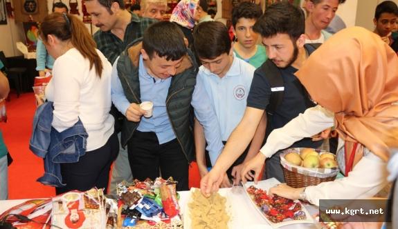Gençlik Merkezi Günlerinde Karaman Standına Yoğun İlgi