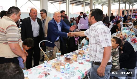 İlk İftar Sofrası Atatürk Mahallesi'ne Kuruluyor
