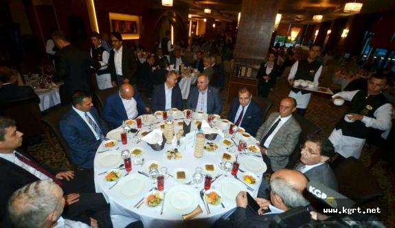 KARSİAD'ın Geleneksel İftar Yemeğine Katılım Yoğundu