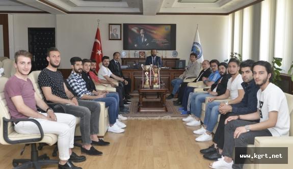 Rektör Akgül'den Şampiyon Takıma Tebrik