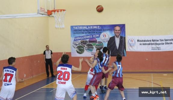 U-13 Türkiye Şampiyonası Yarı Finalleri Başladı