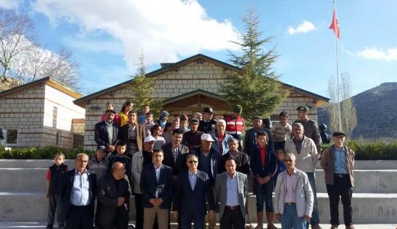 Vali Tapsız Balkusan Köyünü Ziyaret Etti