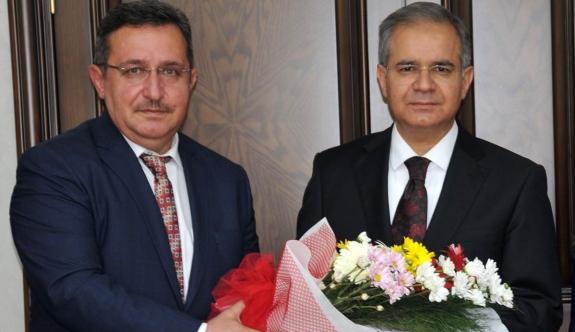 Vali Tapsız'ı Ziyaret Ettiler