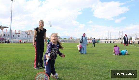 Otizmli Çocuklar Sporla Yaşama Tutunuyor
