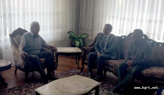 Vali Tapsız Kızılay Karaman Şube Başkanı Ali Ünlüer'e Taziye Ziyaretinde Bulundu
