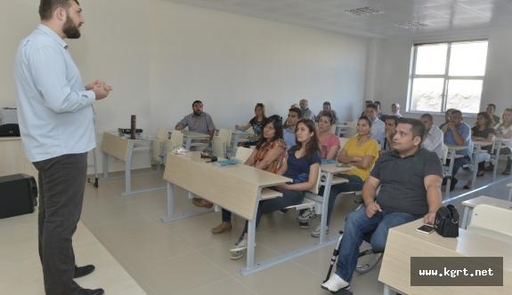KMÜ Personeli İşaret Dili Eğitimi Alıyor