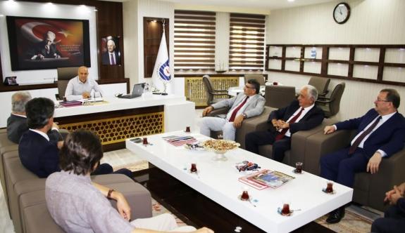 Türk Dili Heyeti'nden Başkan Çalışkan'a Ziyaret