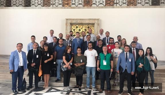 40 Ülkeden Gelen Gazeteciler Bombalan Meclis Ve Külliyeyi Gezdi