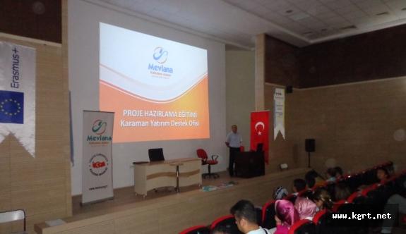 Sağlık Çalışanlarına Proje Yazma Eğitimi Verildi