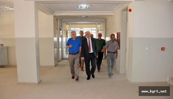 Vali Meral, Havacılık Meslek Yüksekokulu Binasını Gezdi