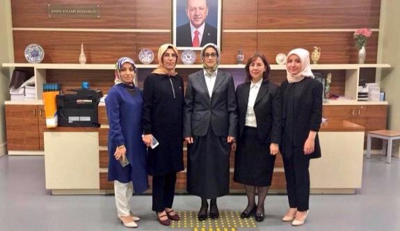 AK PARTİ Kadın Kollarında Bayrak Değişimi