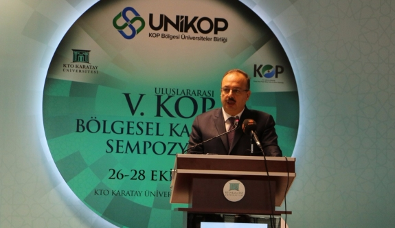 """Bu yıl 5.'si düzenlenen """"KOP Bölgesel Kalkınma Sempozyumu"""" Konya Ticaret Odası (KTO) Karatay Üniversitesi'nde başladı."""