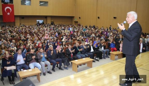 Nihat Hatipoğlu'na Karaman'da Büyük İlgi