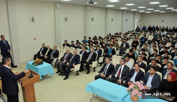 Sayıştay Başkanı Seyit Ahmet Baş Öğrencilerle Tecrübelerini Paylaştı