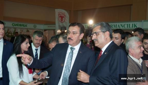 2. Kooperatifler Fuarı Açıldı, Üstün Hizmet Ödülünü Recep Konuk Aldı