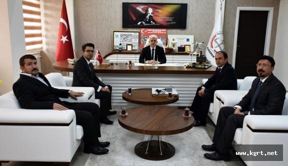 """Kuntoğlu, """"Öğretmenlik, Atanarak Değil Adanarak Yapılacak Bir Meslektir"""""""