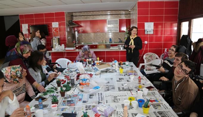 Anneler Ve Engelli Çocukları Birlikte Başarıyor