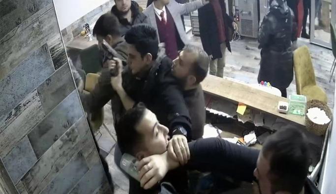 Kokoreççide Garsonun Tokatlanması Olayında İki Polis Açığa Alındı