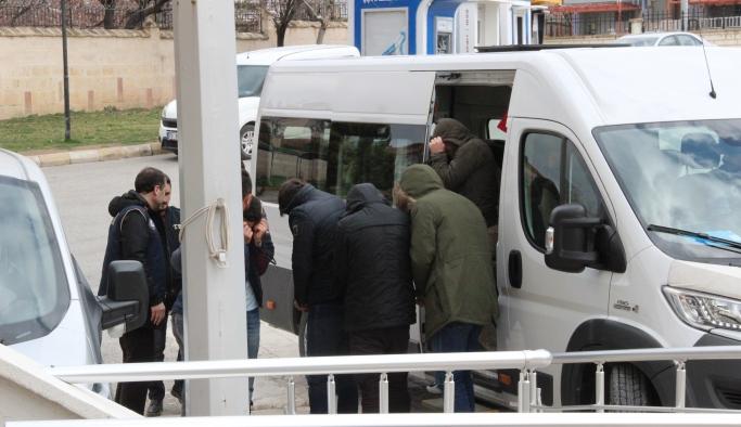 Karaman'da FETÖ/PDY Operasyonunda 2 Asker Tutuklandı