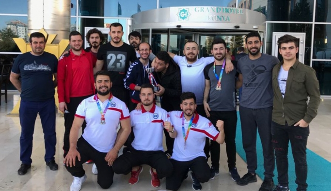 KMÜ Erkek Hentbol Takımı Süper Lige Yükseldi