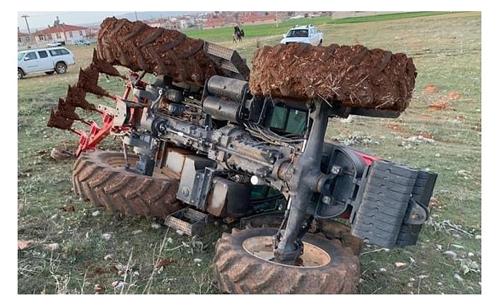 Traktör Kabini Sayesinde Kurtuldular