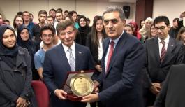 Eski Başbakan Davutoğlu 8 Aralık'ta...