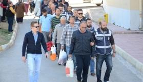 FETÖ'den Gözaltına Alınan Akademisyenler Adliyeye Sevk Edildi