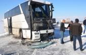 İşçi Otobüsü Tıra Çarptı: 5 Yaralı