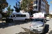 Okul Servisi İle Otomobil Çarpıştı: 4 Yaralı